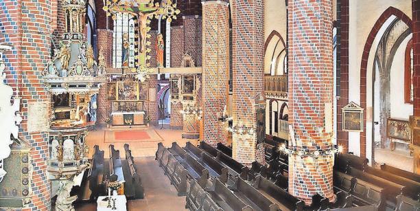 In der Sankt-Gotthardt-Kirche gibt es am Sonntag Bachs Weihnachtsoratorium.FOTO: HANS-UWE SALGE