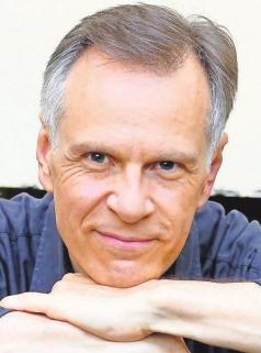 Stefan Nagel spielt vielseitige Rollen. FOTO: WITZIGMANN